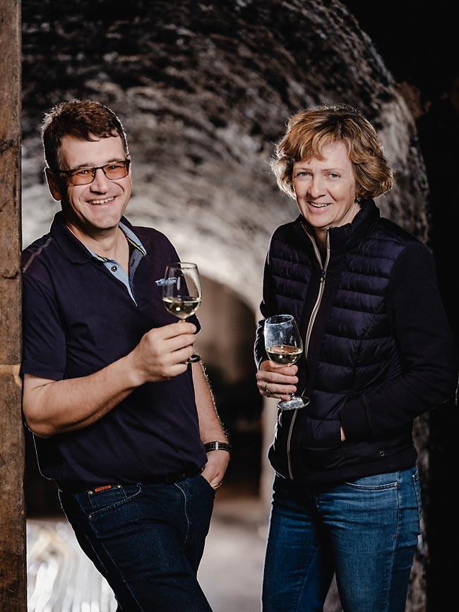 Roman und Maria Girsch im Weinkeller